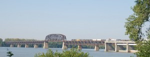 89 CSX Train Crosses Bridge