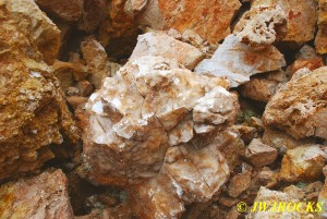 16 Cavelike Calcite Chunks Found