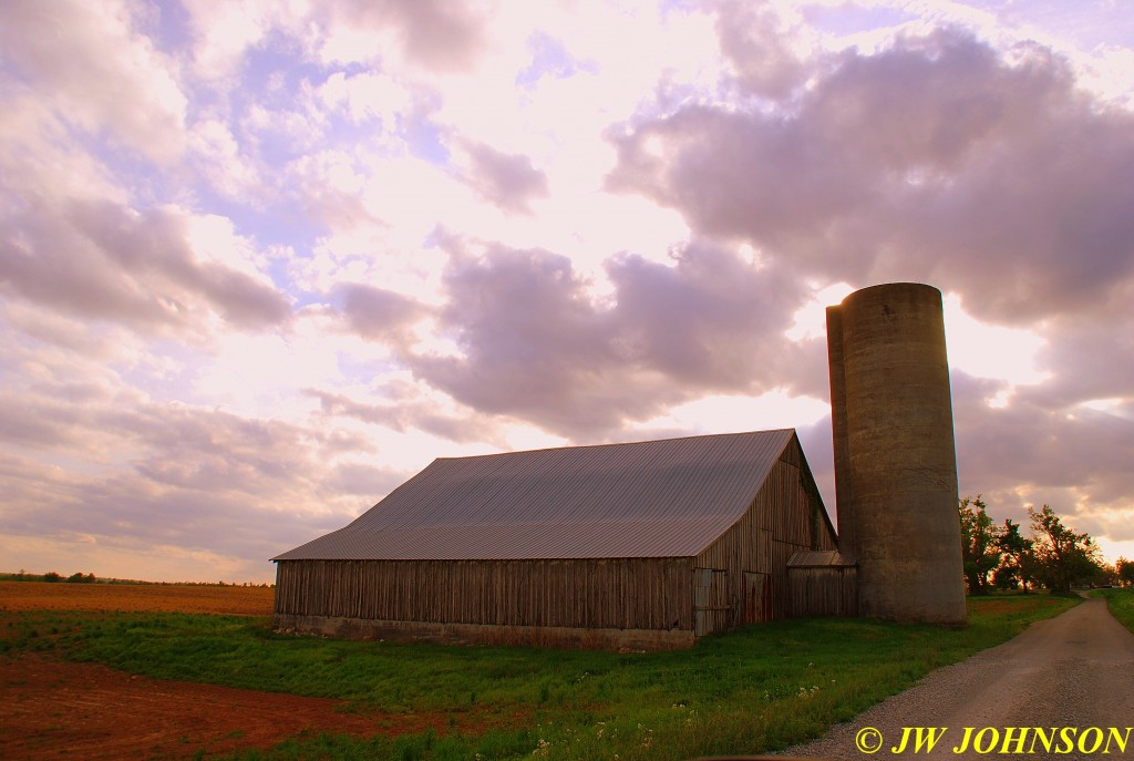 15 Old Barn & Silo on Beck Rd