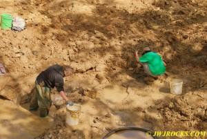 19 Nic and Ian Working in Mud