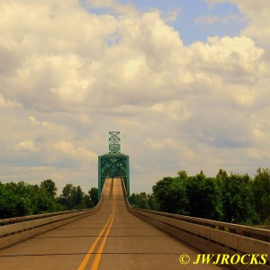 33 Mississippi River Bridge