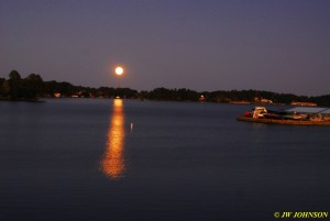 11 Moon Rises Over Lake Hamilton