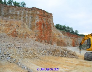 01 New Blast Pile Middle of Quarry