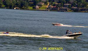 02 Speedboat & Skiers Lake Hamilton
